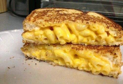 Mac n cheese grilled cheese sandwich | . All you can E A T | Pinterest