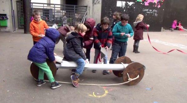Cette «boîte à jouer» qui pourrait changer les cours de récréation | L'instit'humeurs | Francetv info