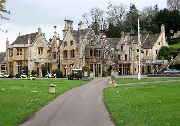 Michelin-starred chef Richard Davies will step down from his position as executive chef at The Manor House in Castle Combe in January. Description from insidermedia.com. I searched for this on bing.com/images