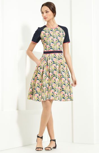 Jason Wu printed dress with solid sleeves.: Dresses Resorts, Floral Patterns, Prints Dresses, Scubas Dresses, Taffeta Scubas, Jason Wu, Taffeta Dresses, Floral Scubas, My Style