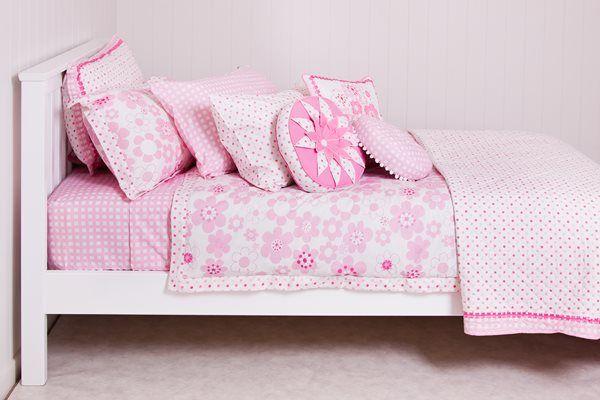 Soft & girlie, the Millie linen is heavenly. Love the floral with spots! #patersonrose #girlslinen #girlsrooms #girlsbedroomdecor #kidsduvet #kidsdecor #pink #millie