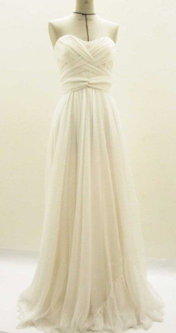 i pinned bc i would love this for my renewal dress!