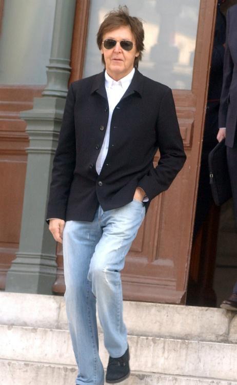 Paul McCartney- Singer, SongWriter, Musician, Member of the band ''The Beatles''.