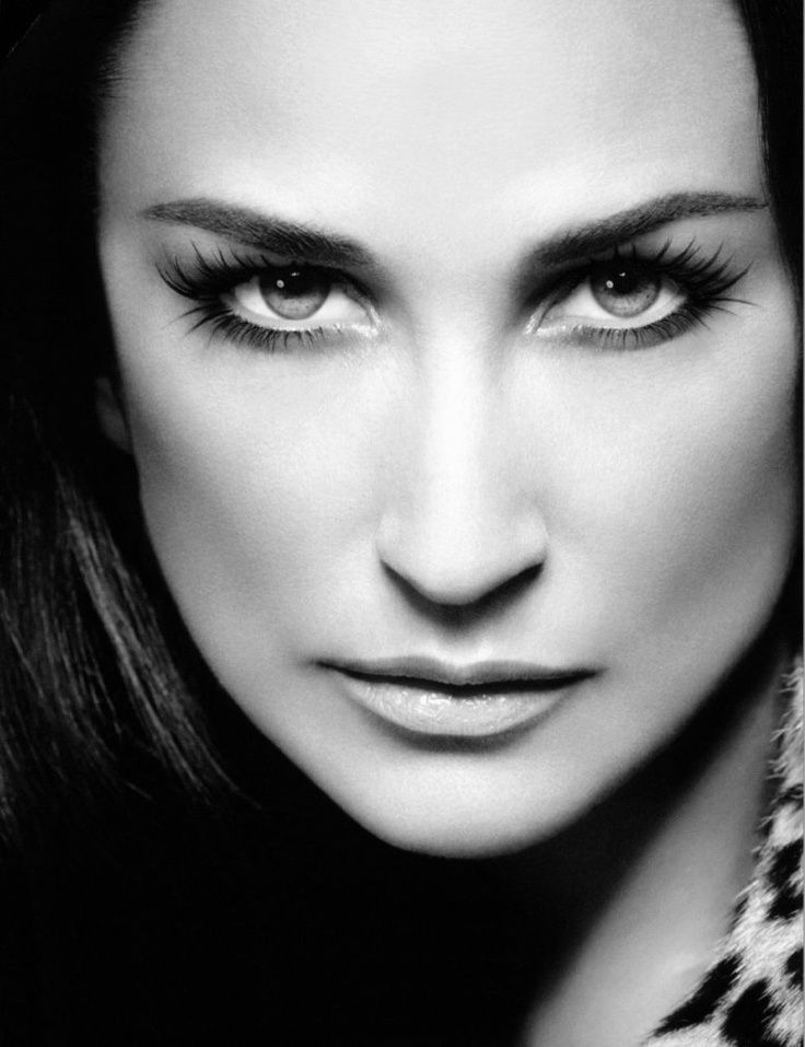 Demi Moore.  Such a gorgeous photo of her.