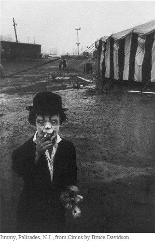 Should artists be entertainters? Interesting discussion over at Little Brown Mushroom: Vintage Photographers, Vintage Circus, Bruce Davidson, Old Pictures, Diane Arbus, Brucedavidson, Take A Break, Dark Circus, Old Photographers