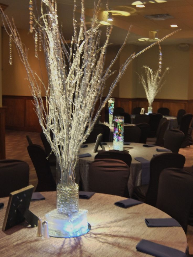 Exclusive say i do centerpiece design of silver metallic