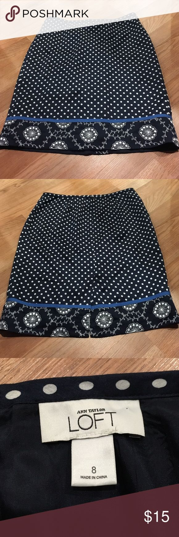 Anne Taylor LOFT size 8. Retro style print. Over the knee. Cute for a coffee date or a run to the bookstore. LOFT Skirts Midi