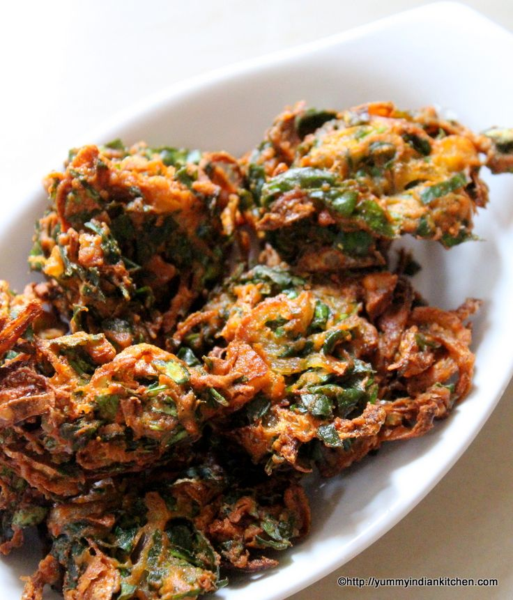 Palak pakoda is yet another perfect snack recipe for rainy or winter seasons.These are deep fried fritters recipe made using finely chopped palak and besan.
