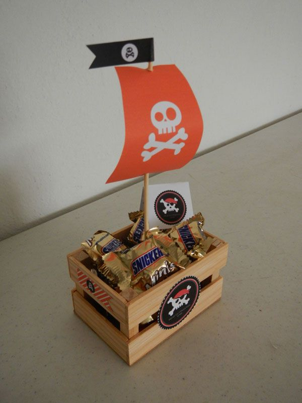 Barco pirata relleno de dulces. para piñata o recuerditos.  Pirate Party Favors