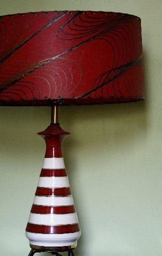 GORGEOUS vintage red lamp!