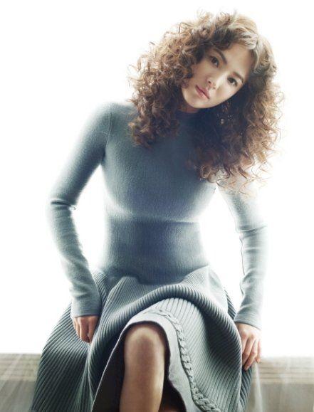 송혜교, 굵은 파마머리도 잘 어울려 :: 소녀시대 아이유