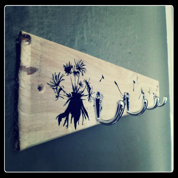 Dandelion key holder with heavy duty hooks