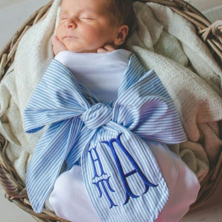 Monogrammed newborn bow in fishtail font • available in pink or blue!