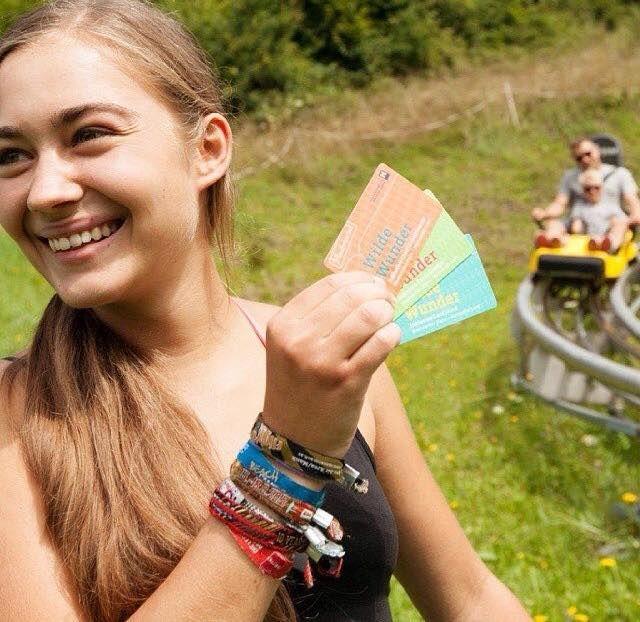 Unser Highlight zum Wochenstart:  Mit der Wilde Wunder Card erhalten Sie zahlreiche Angebote, in der Region Mostviertel, kostenfrei!  Auf Sie warten: --> Freie Eintritte in verschiedene Bäder --> Schnupper Reitkurse --> Gratis Liftfahrten auf Ötscher, Hochkar, Gemeindealpe und Bürgeralpe --> Bus und Bahn zum halben Preis --> Zahlreiche Naturerlbenisse