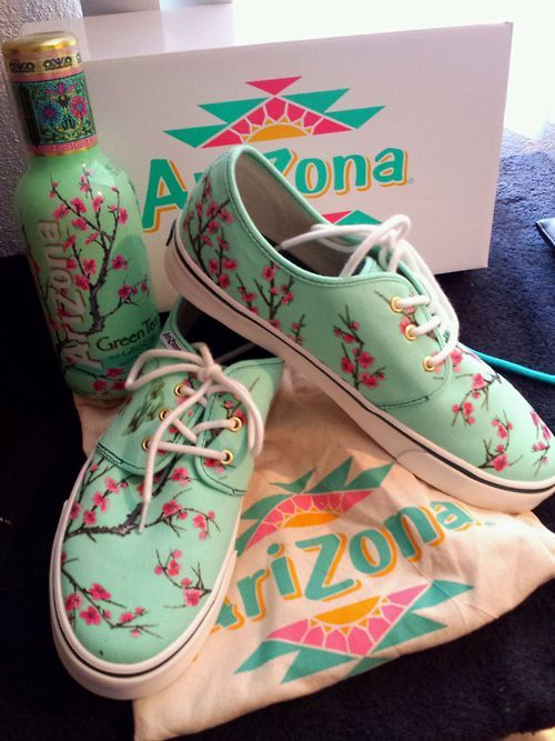 Arizona please please please oh my gosh please can I have these I'm begging you life give them to me