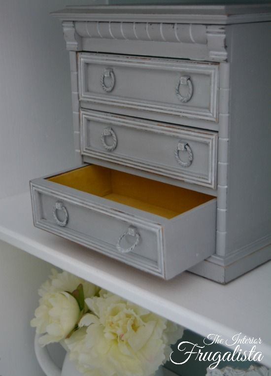 another thrift store jewelry box makeover jewelry box makeover thrift and box. Black Bedroom Furniture Sets. Home Design Ideas