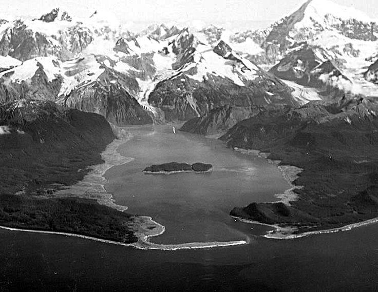 Lituya Bay overview - 1958 Lituya Bay megatsunami - Wikipedia, the free encyclopedia