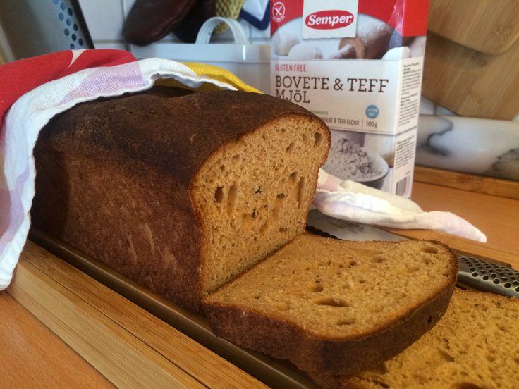Ett mörkt bröd med bovete- och teffmjöl som har bra bakegenskaper och ger en mustig och god smak. Bovete och teff har högt näringsvärde och det här brödet är en ny favorit till...