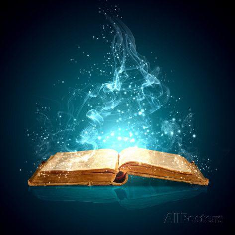 Bild des geöffneten magischen Buches mit magischen Lichtern Plakate von Sergey Nivens bei AllPost …   – Books