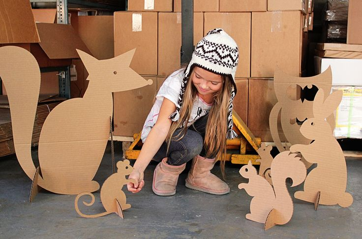 Cardboard Woodland Creatures, Guerilla Photo Shoots, Latte Art and Missing Bug…
