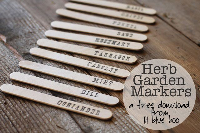 Easy DIY garden markers (with free download) #tutorial #diyDiy Gardens, Diy Herbs, Herbs Markers, Free Download, Garden Markers, Plants Markers, Herbs Gardens, Gardens Markers, Easy Diy