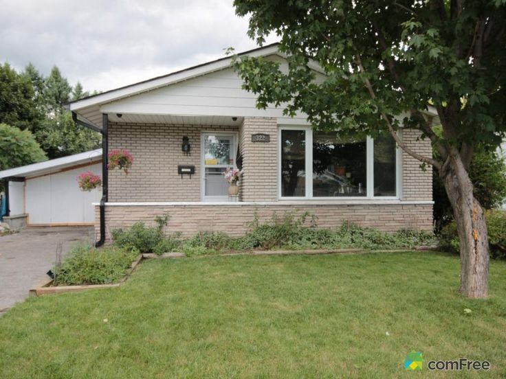 East End Barrie, 3 bedroom (easily four) bungalow with separate entrances and lots of parking...