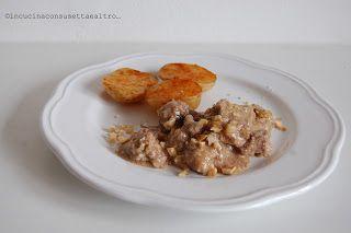In Cucina con Susetta e altro...: SPEZZATINO AL LATTE CON NOCI E PATATE STUFATE  Ogg...