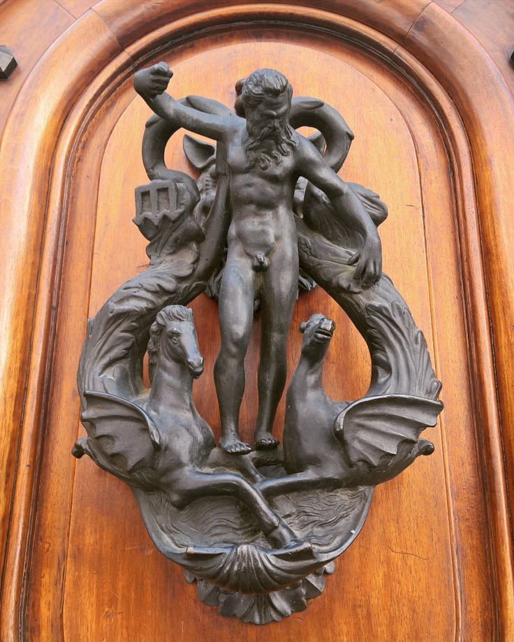 "27 Likes, 3 Comments - Sergey Beketov (@sbeketoff) on Instagram: ""Just a random door knocker, Swiss style. #Genève  #Suisse #doorknocker #chiclife #travelling"""