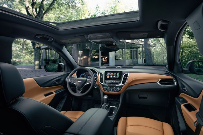 2018 Chevrolet Equinox interior large glass roof