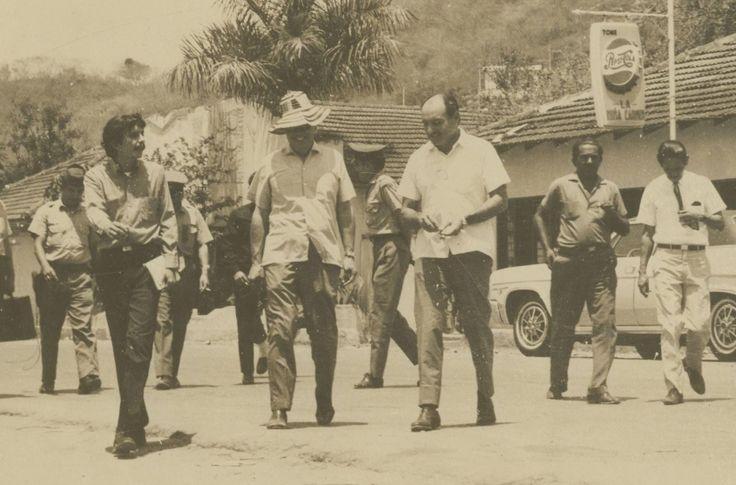 El Gobrrnador del Atlantico Eduardo Martinez y Jose Victor Dugand, acompanados por Rafael Vega cuando este era Director de Prensa de la Gobernacion