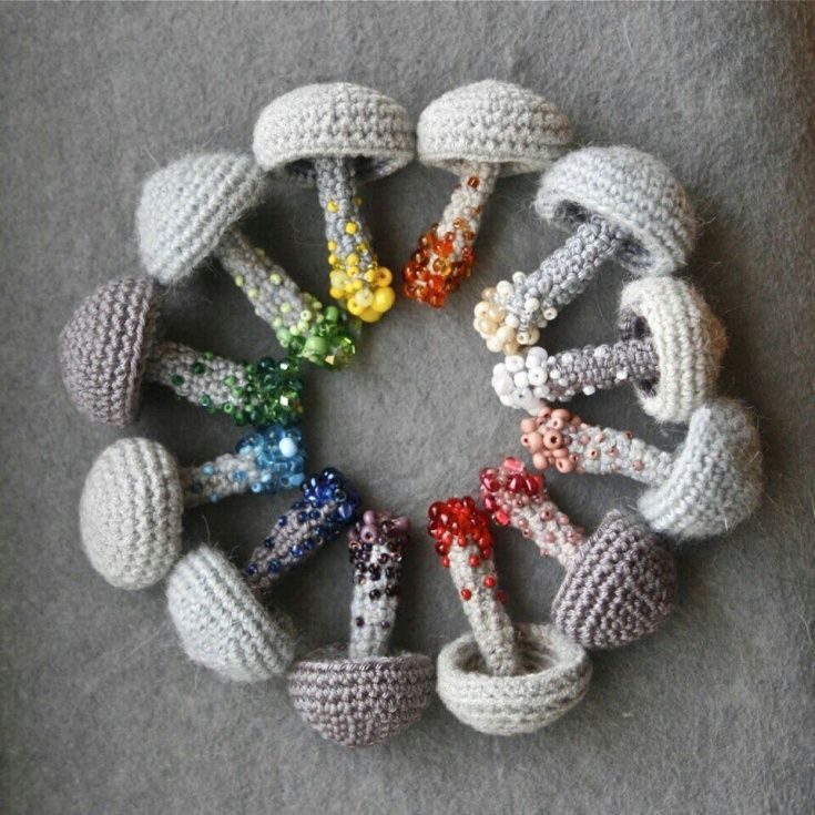 брошки грибы украшения и бижутерия вторая улица Crochet