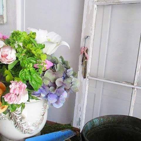 Beautiful rainy Friday.  #friday #rainyday #flowers #garden #gardenroses #gardenroom #flowerarrangement