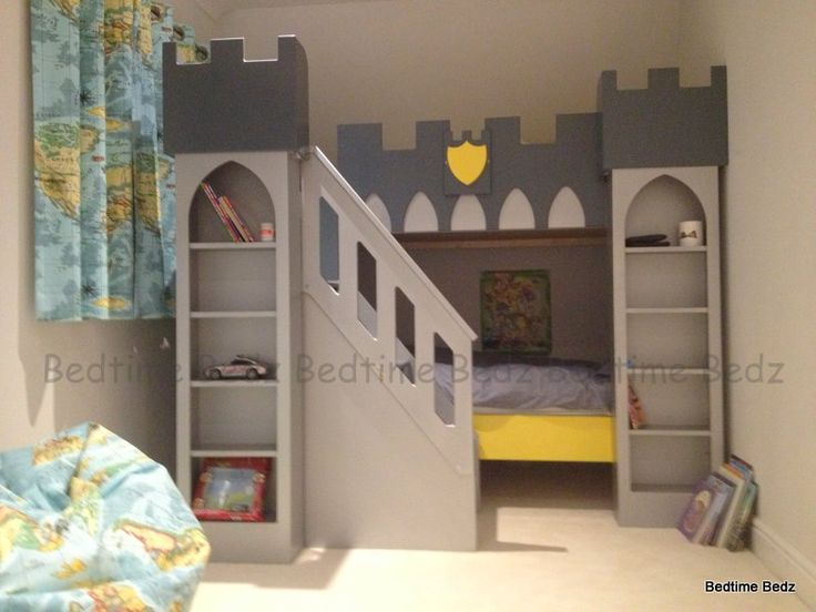 Castle Bed with Front Staircase Storage Steps (Shelved Towers)