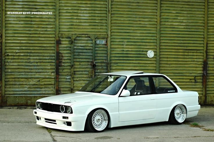 BMW E30... So bad and so good at the same time!