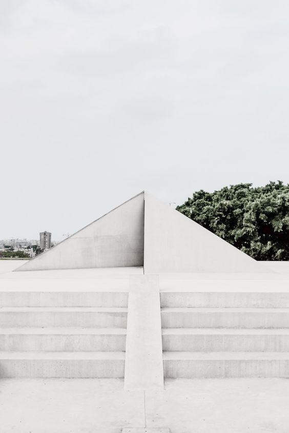 """""""White Architecture"""" by LEUCHTEND GRAU"""