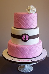 I love how simple and elegant this is for a baby shower cake