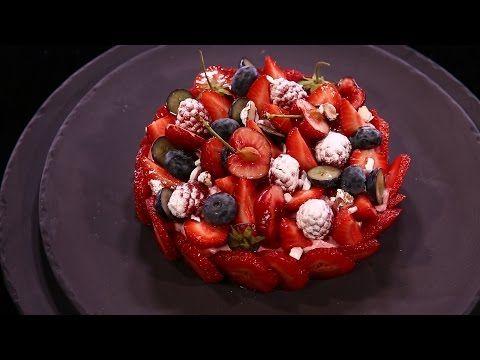 Une charlotte aux fraises version charlotte à la mousse de fraises, une version bien plus légère et bien plus gourmandes ! Une recette inratable et 100% faci...
