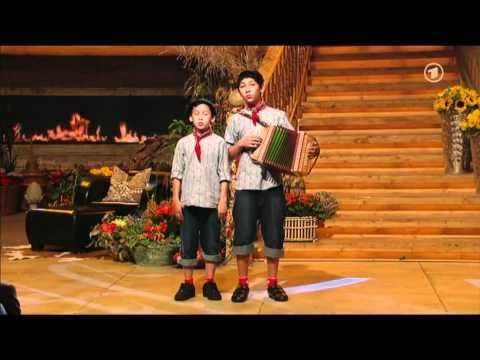 ▶ Florian & Seppli - Familienjodler - YouTube