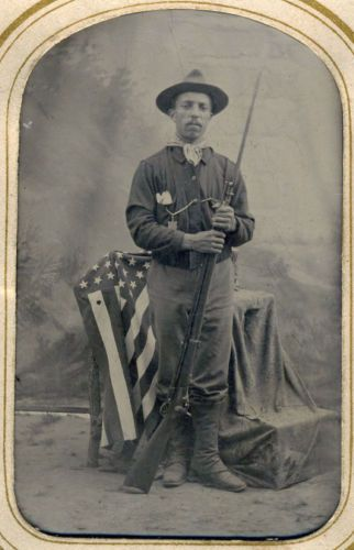 BLACK-AFRICAN-AMERICAN-LATINO-INDIAN-WARS-BUFFALO-SOLDIER-RIFLE-FLAG-TINTYPE