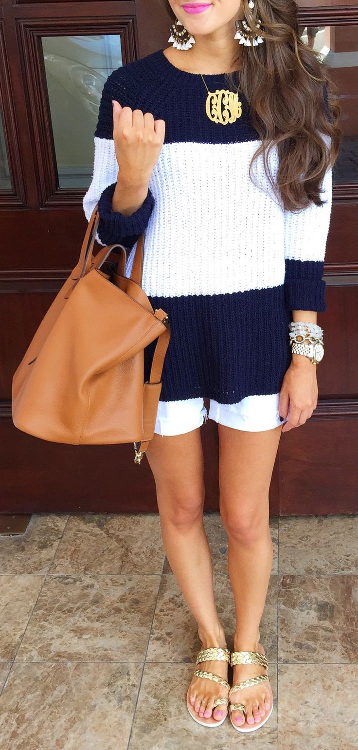 perfect airport outfit - the striped top looks comfy