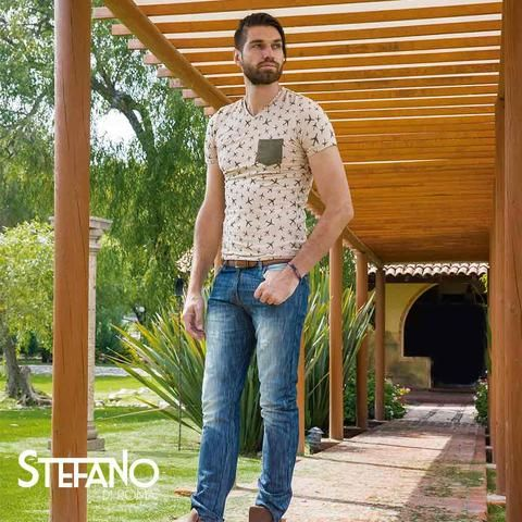 Pantalon para caballero en mezclilla. Nuestro catálogo te trae una moderna colección de pantalones para hombres y bermudas. Pantalones jeans o de mezclilla, jeans o pantalón fit, chinos o khakis. Moda, comodidad, estilo y un excelente precio. Encuentra el par de pantalones para hombres y bermudas perfecto para ellos.