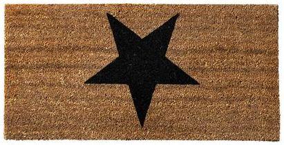 dørmatte i kokos med svart stjerne. 80 x 40 cm. Fra Bloomingville. 249,-