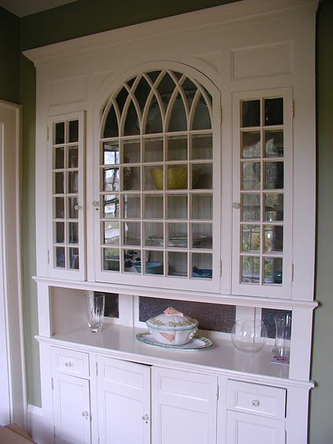 Beautiful built-in butler's pantry