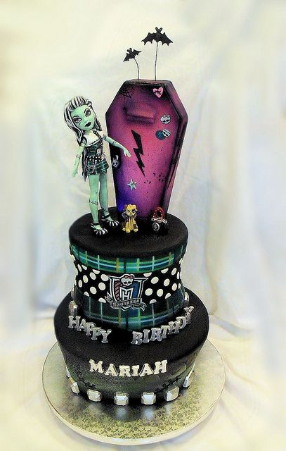 Monster HIgh Cake 10 22 pic 1 by Cake Rhapsody, via Flickr