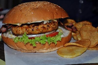 Mala Mala Burger @ Kozis