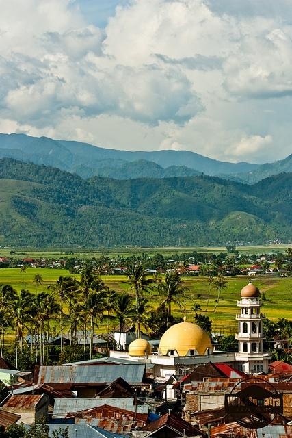 Sungai Penuh, Kerinci Valley, (Indonesia).