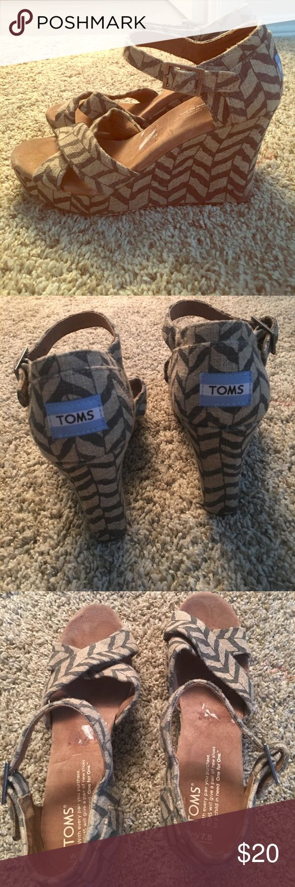 Toms chevron wedges Worn twice great shape 👍🏻 size 7.5 Toms Shoes Wedges
