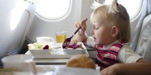 ¿Qué comer antes y durante vuelos largos?