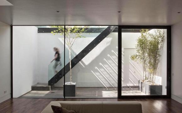 Sunken courtyard Ben Adams Architects Mehr