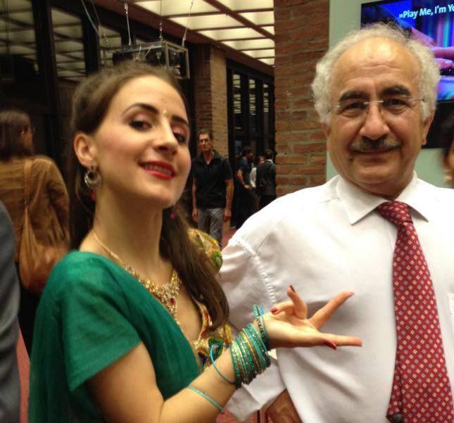 kurdish people kurdistan   Yekta Uzunoglu - se svojí dcerou 18. 9. 2016
